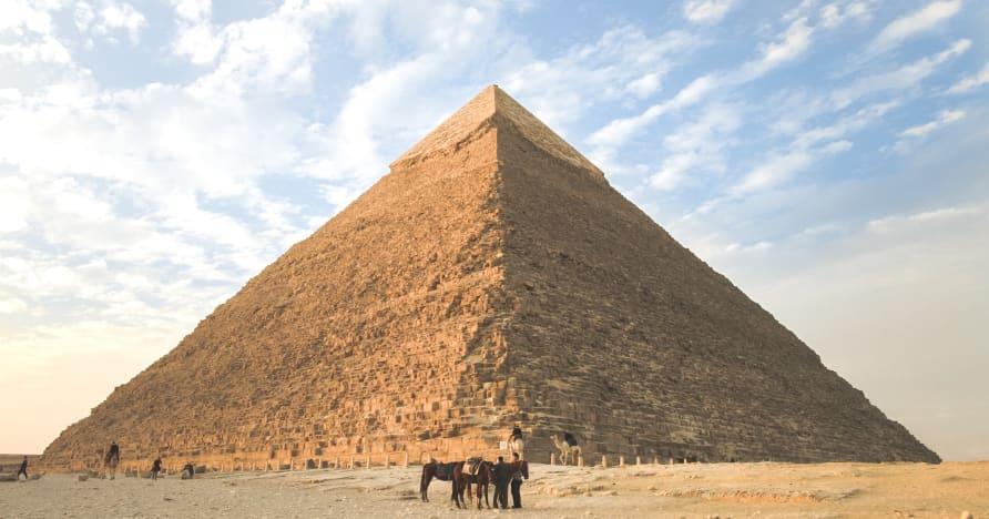 2021年要玩的6大埃及主题老虎机