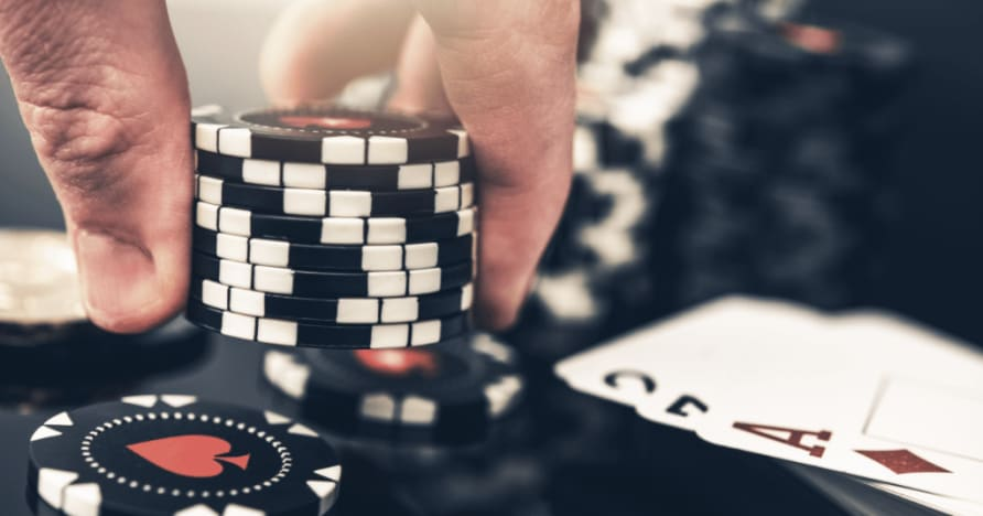 扑克和二十一点之间的 5 个最大区别