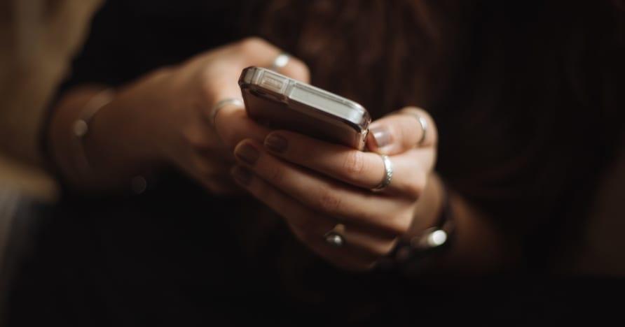 开始在手机上玩在线赌场的原因